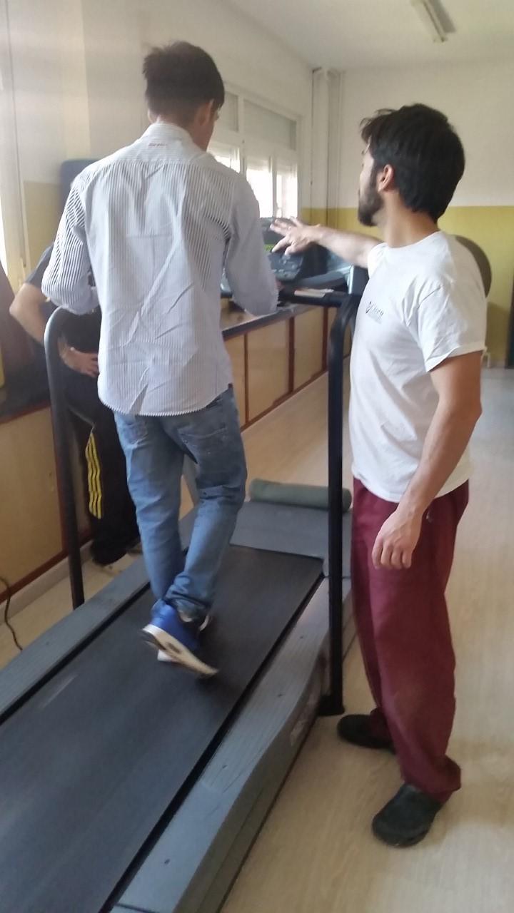 Los gimnasios i-fitness donan una cinta de correr para el cole