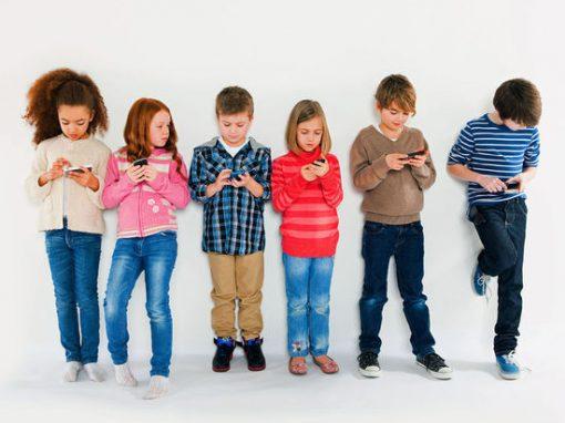 ¡Niños conectados padres desconectados!